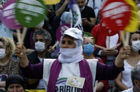 """""""Las políticas del gobierno turco contra las mujeres son crímenes de guerra"""""""