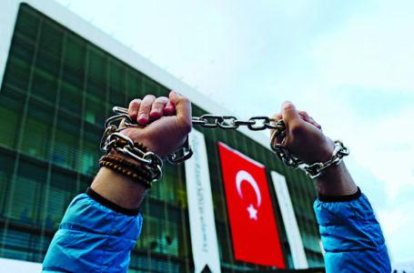 Mujeres silenciadas, Turquía silenciada